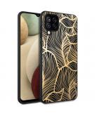 Design voor de Samsung Galaxy A12 hoesje - Bladeren - Zwart / Goud